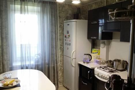 Сдается 3-комнатная квартира посуточнов Яровом, квартал A, дом 18 кв.27..
