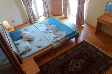 Сдается 2-комнатная квартира посуточнов Баку, улица 28 Мая 20.