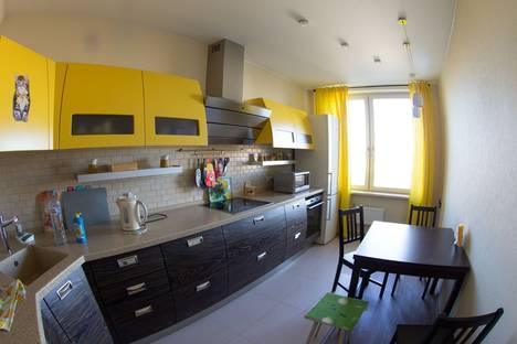 Сдается 2-комнатная квартира посуточно в Санкт-Петербурге, улица Ленсовета 34 к3.
