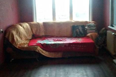 Сдается 3-комнатная квартира посуточно в Барнауле, улица Глушкова, 6.