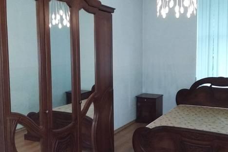 Сдается 2-комнатная квартира посуточнов Небуге, ул. Гоголя, 13.