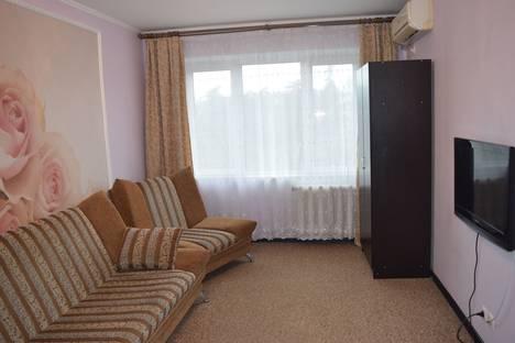 Сдается 3-комнатная квартира посуточнов Сочи, улица Воровского, 56.