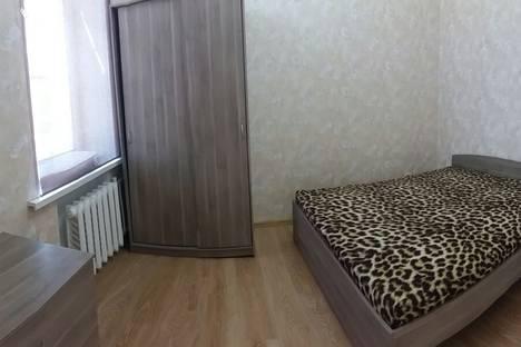 Сдается 2-комнатная квартира посуточно, Пр.Буденовский 24.