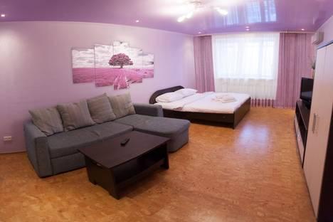 Сдается 1-комнатная квартира посуточнов Тюмени, улица Малыгина, 4/1.