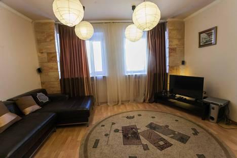 Сдается 2-комнатная квартира посуточнов Тюмени, улица Александра Матросова 1/2.