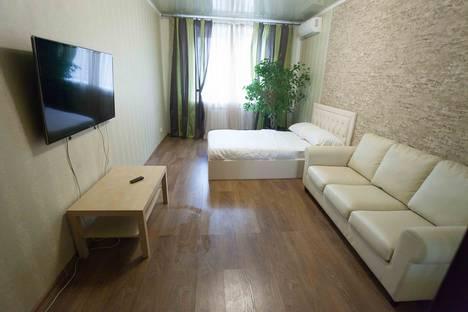 Сдается 2-комнатная квартира посуточнов Тюмени, Комсомольская улица, 75.