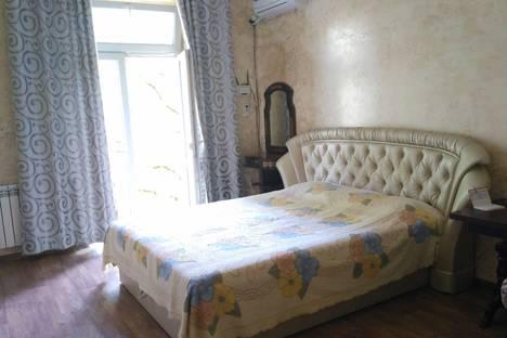 Сдается 1-комнатная квартира посуточно в Ялте, Московская улица, 21.