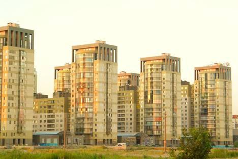 Сдается 2-комнатная квартира посуточнов Пушкине, улица Кораблестроителей, 30.