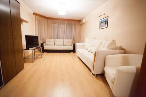 Сдается 2-комнатная квартира посуточно в Тюмени, улица Энергетиков 53/3.