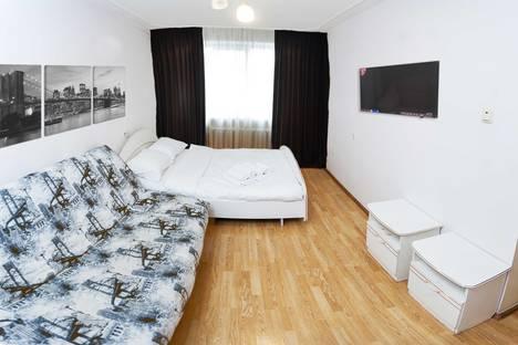 Сдается 2-комнатная квартира посуточнов Тюмени, улица В. Гнаровской, 10/2.