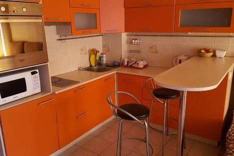 Сдается 1-комнатная квартира посуточнов Тюмени, улица 50 лет ВЛКСМ 15.
