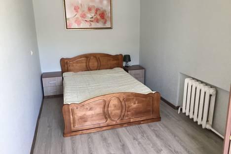 Сдается 2-комнатная квартира посуточно в Смоленске, ул. Тухачевского, 7.