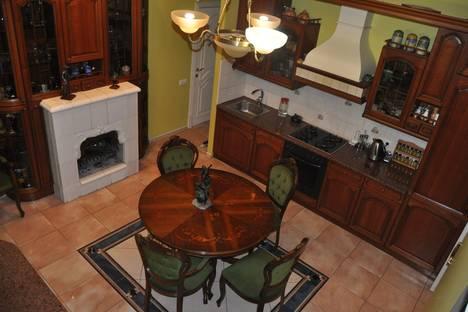 Сдается 4-комнатная квартира посуточно, Кронверкский проспект, 77.