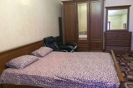 Сдается 1-комнатная квартира посуточно в Симферополе, Шмидта 3 Пл Советская,Роддом 1.