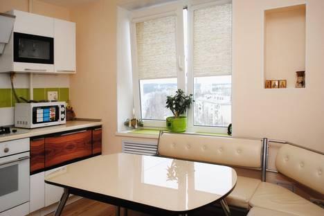 Сдается 2-комнатная квартира посуточнов Златоусте, проспект Гагарина 8-я линия, 9А.