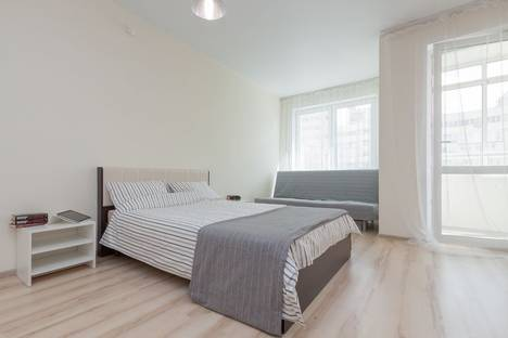 Сдается 1-комнатная квартира посуточнов Екатеринбурге, улица Соболева 19.