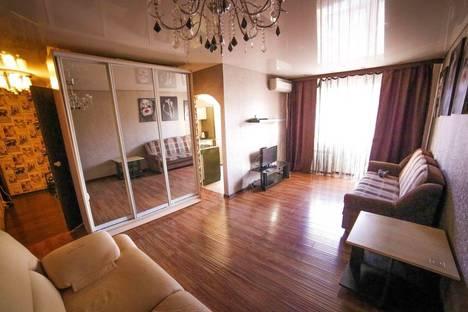 Сдается 1-комнатная квартира посуточно в Комсомольске-на-Амуре, Вокзальная улица, 52.