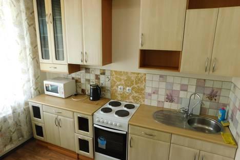 Сдается 1-комнатная квартира посуточно, улица Героев Самотлора 18.