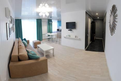 Сдается 3-комнатная квартира посуточнов Николаеве, улица Дунаева 45.