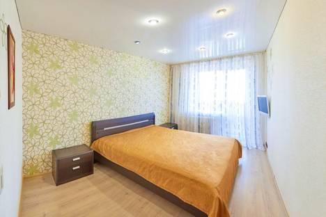 Сдается 3-комнатная квартира посуточно в Кургане, ул. Карла Маркса, 42.