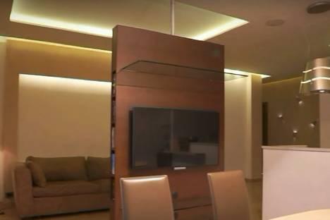 Сдается 1-комнатная квартира посуточнов Екатеринбурге, улица Смазчиков, 3.