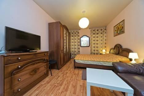 Сдается 3-комнатная квартира посуточнов Санкт-Петербурге, ул. Комсомола д.49в.