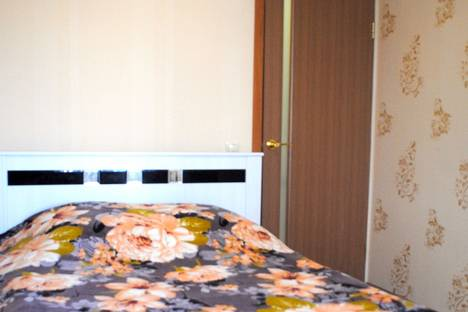 Сдается 2-комнатная квартира посуточно, р-н Ленинский, 9-ая Южная, д. 23.