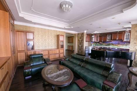 Сдается 2-комнатная квартира посуточнов Санкт-Петербурге, Морской проспект 28.
