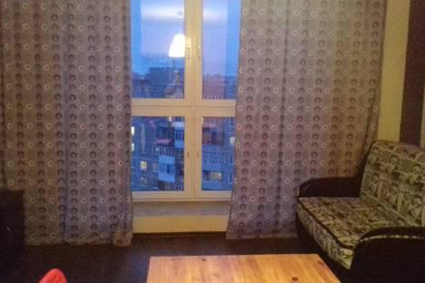 Сдается 3-комнатная квартира посуточнов Кстове, Полевая улица, 6.