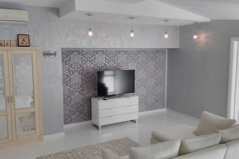 Сдается 3-комнатная квартира посуточно в Никите, Ялта,Набережная Никитского ботанического сада, Никита.