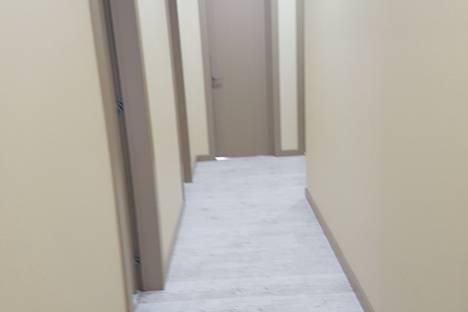 Сдается 5-комнатная квартира посуточнов Юбилейном, ул. Маршала Соколовского, 5.
