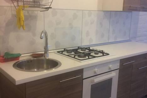 Сдается 1-комнатная квартира посуточнов Санкт-Петербурге, ул. Тамбовская, 70.