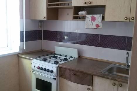 Сдается 1-комнатная квартира посуточно в Керчи, ул. Горького, 28.
