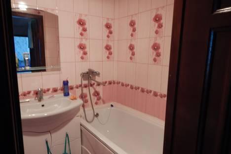 Сдается 2-комнатная квартира посуточнов Оренбурге, улица Просторная, 8.