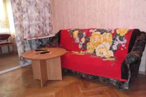 Сдается 2-комнатная квартира посуточно в Сочи, улица Конституции СССР, 12.