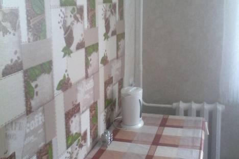 Сдается 1-комнатная квартира посуточно в Яровом, квартал Б, дом 26.