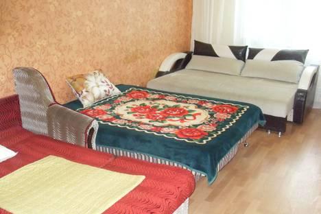 Сдается 2-комнатная квартира посуточно в Сургуте, Университетская улица, 21.