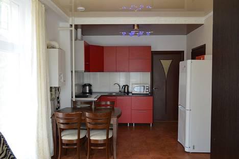 Сдается 2-комнатная квартира посуточнов Гаспре, ул Маратовская  1.