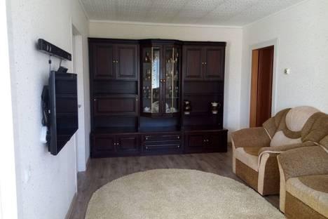 Сдается 4-комнатная квартира посуточно в Яровом, квартал A дом 9.