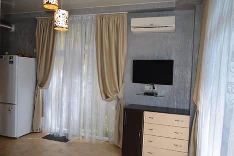 Сдается 2-комнатная квартира посуточно в Гаспре, ул Маратовская 1.