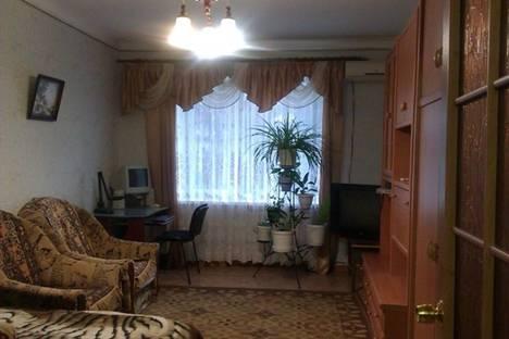 Сдается 2-комнатная квартира посуточнов Приморском, улица Советская, 7.
