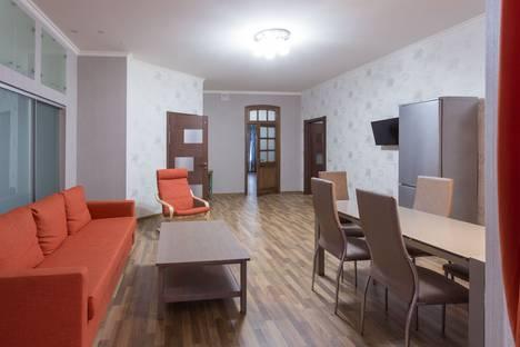 Сдается 4-комнатная квартира посуточно в Санкт-Петербурге, набережная реки Фонтанки, 165.