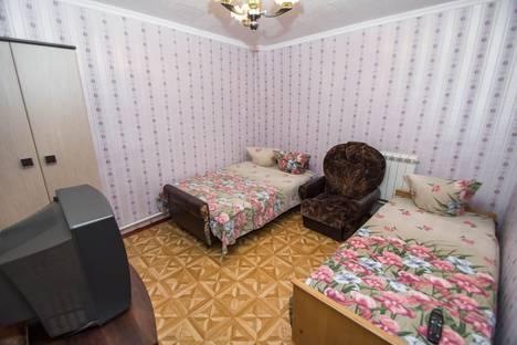 Сдается 1-комнатная квартира посуточно в Гурзуфе, 4 ул. Пролетарская.