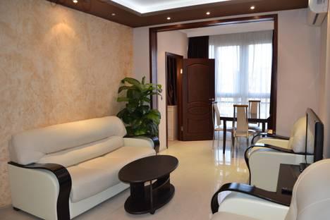 Сдается 2-комнатная квартира посуточно в Адлере, переулок Богдана Хмельницкого, 8.