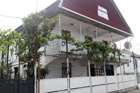 Сдается коттедж посуточнов Кобулети, Аджария,улица Гурамишвили, дом 35.