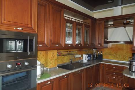Сдается 3-комнатная квартира посуточнов Сочи, улица виноградная д.2 б кв 21.