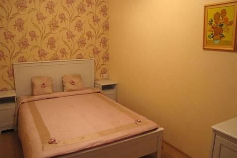 Сдается 2-комнатная квартира посуточно в Красноярске, улица Алексеева 43.