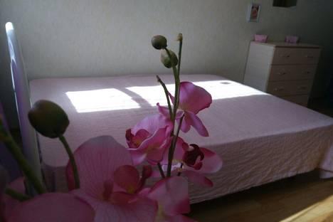 Сдается 1-комнатная квартира посуточно, улица Федора Абрамова, 15.