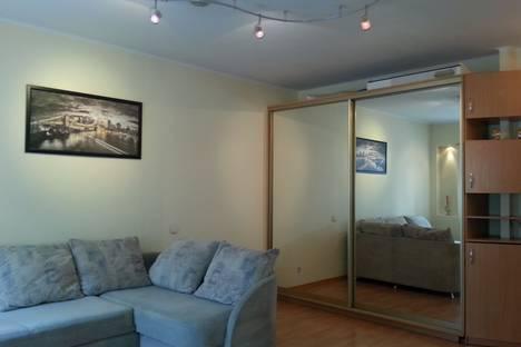 Сдается 1-комнатная квартира посуточнов Санкт-Петербурге, Мытнинская улица, 2.