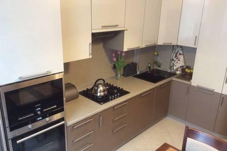 Сдается 3-комнатная квартира посуточно в Сочи, улица Тюльпанов 41е.